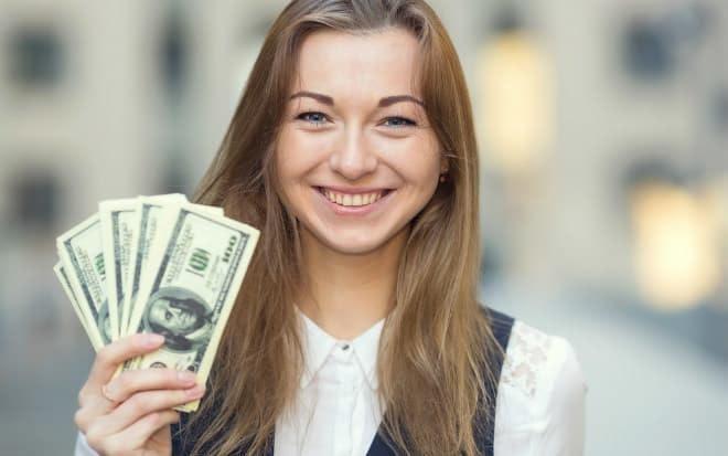 Cách chuyển tiền vào tài khoản không cần ra ngân hàng